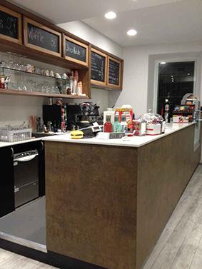 Arredamento Bar Su Misura.Realizzazione Arredamenti Per Bar E Caffetterie Ama Arredamenti