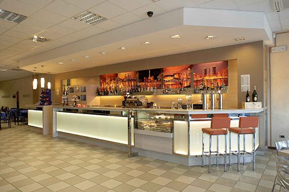 arredamenti bar bergamo realizzazione arredamenti per bar e caffetterie ama