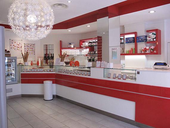 realizzazione arredamenti per gelaterie e pasticcerie - ama ... - Arredamento Interni Gelateria
