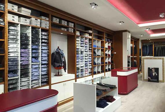 realizzazione arredamenti per negozi vari - ama arredamenti ... - Arredamento Negozio Abbigliamento Moderno