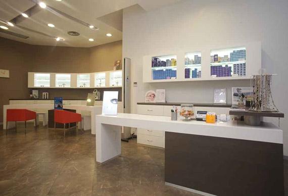 Realizzazione arredamenti per negozi vari - AMA Arredamenti ...